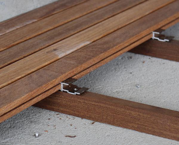 O sistema de fixação oculta de Decks da Sonotto preserva a madeira